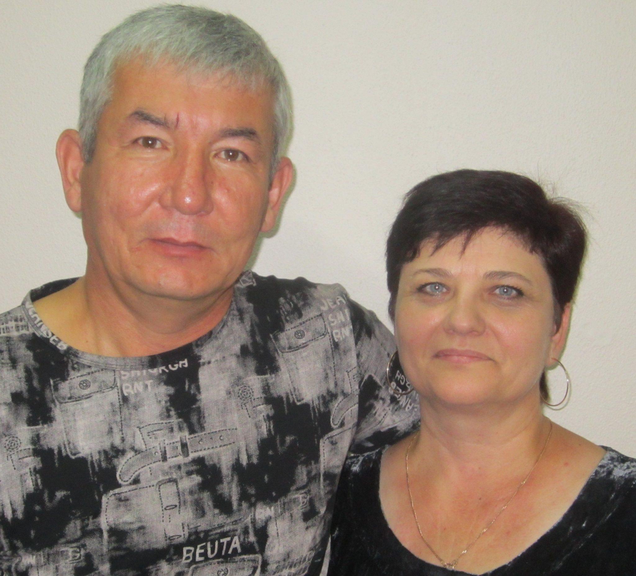 Равшанбек Давлетович и Оксана Вячеславовна